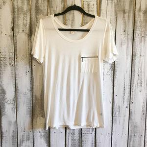 Zenana Outfitters T shirt SZ L White  short sleeve